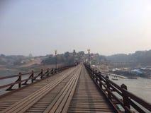 Opinión de Amphoe Sangkhla Buri Foto de archivo libre de regalías