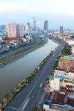 Opinión de Arial en Vo Van Kiet Highway en la ciudad de Ho Chi Minh Imagen de archivo libre de regalías