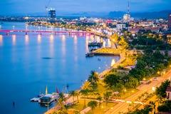Opinión de Ariel Nhat Le Park, era habour de los pescados en la guerra de Vietnam Su situado en el río de Nhat Le, ciudad de Dong fotos de archivo