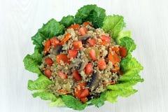 Opinión de arriba de la ensalada de la quinoa Imagen de archivo libre de regalías