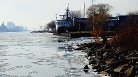 Opinión de Belle Isle Water Front River Imagen de archivo