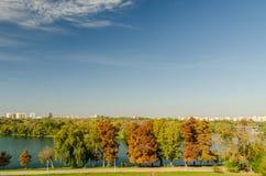 Opinión de Bucarest en último Autumn October Foto de archivo
