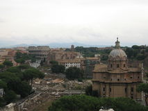 Opinión de Colosseo - Roma Foto de archivo