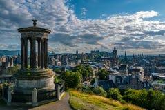 Opinión de Edimburgo de la colina de Dugald Stewart Monument Imagen de archivo
