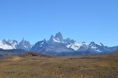 Opinión de Fitz Roy Mountain de la ruta patagona foto de archivo libre de regalías