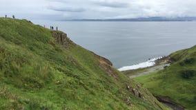 opinión de 4K UltraHD Clifftop de la isla de Skye en Escocia almacen de video