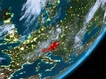 Opinión de la órbita de Austria en la noche libre illustration