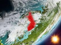 Opinión de la órbita de Finlandia durante salida del sol stock de ilustración
