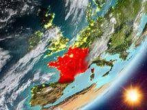 Opinión de la órbita de Francia durante salida del sol stock de ilustración