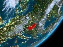 Opinión de la órbita de Hungría en la noche libre illustration