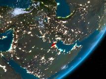 Opinión de la órbita de Kuwait en la noche ilustración del vector
