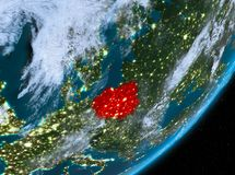 Opinión de la órbita de Polonia en la noche libre illustration