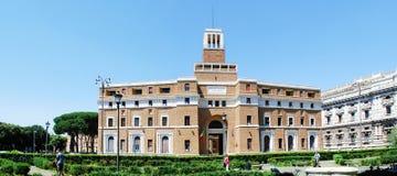 Opinión de la arquitectura de la ciudad de Roma el 30 de mayo de 2014 Foto de archivo libre de regalías