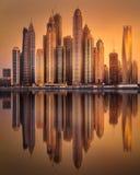 Opinión de la bahía del puerto deportivo de Dubai de la palma Jumeirah, UAE Foto de archivo