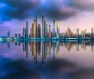 Opinión de la bahía del puerto deportivo de Dubai de la palma Jumeirah, UAE Fotos de archivo