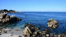 Opinión de la bahía de Monterey almacen de metraje de vídeo