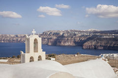 Opinión de la caldera del pueblo de Aktorini, Santorini Grecia Fotografía de archivo libre de regalías