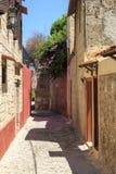Opinión de la calle de la ciudad vieja Rodas, Dodecanese, Grecia imagen de archivo