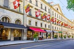 Opinión de la calle de Ginebra en verano foto de archivo