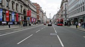 Opinión de la calle de Piccadilly almacen de video