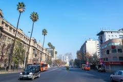 Opinión de la calle de Santiago, Chile foto de archivo libre de regalías