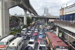 Opinión de la calle de Victory Monument en Tailandia Fotos de archivo