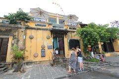 Opinión de la calle de Vietname Hoi An Fotos de archivo