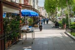 Opinión de la calle de Zeyrek en Estambul, Turquía Foto de archivo
