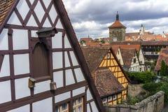 Opinión de la calle del der Tauber del ob de Rothenburg Foto de archivo libre de regalías