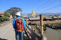 Opinión de la calle del lago Inle en Myanmar Imagen de archivo