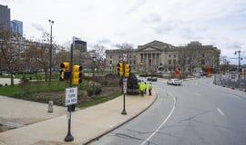 Opinión de la calle en Philadelphia con Franklin Institute - PHILADELPHIA - PENNSYLVANIA - 6 de abril de 2017 Foto de archivo