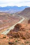 Opinión de la carretera de las montañas de la sal del La en Moab California fotografía de archivo