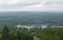 Opinión de la cima de la montaña Fotos de archivo libres de regalías