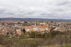 Opinión de la ciudad de Aiud imagen de archivo
