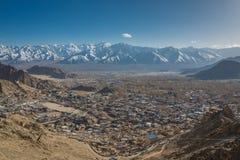 Opinión de la ciudad de Leh de Tsemo Foto de archivo libre de regalías