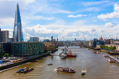 Opinión de la ciudad de Londres sobre el río Támesis en Londres, Reino Unido Fotografía de archivo libre de regalías
