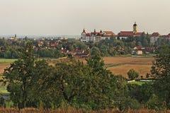 Opinión de la ciudad de Neuburg en el Danubio Fotografía de archivo