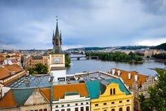 Opinión de la ciudad de Praga foto de archivo