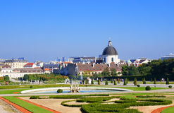 Opinión de la ciudad de Viena del parque del palacio del belvedere Fotografía de archivo