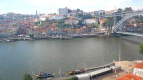 Opinión de la ciudad del río vieja metrajes