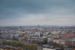 Opinión de la ciudad desde arriba, paisaje urbano del capital Croacia, Zagreb imagenes de archivo