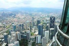 Opinión de la ciudad a partir el 180 del piso Petronas Foto de archivo