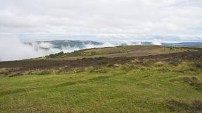 Opinión de la colina de Porlock abajo en boca de mina fotografía de archivo