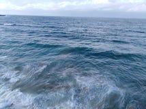 Opinión de la costa con el cielo en Alexandría foto de archivo