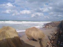 Opinión de la costa con el cielo en Alexandría imagenes de archivo