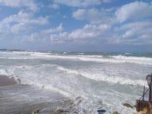 Opinión de la costa con el cielo en Alexandría fotografía de archivo