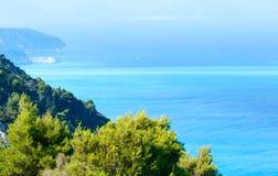 Opinión de la costa de Lefkada (Grecia) Imágenes de archivo libres de regalías