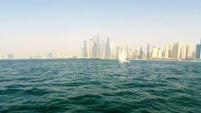 Opinión de la costa costa de Dubai almacen de metraje de vídeo
