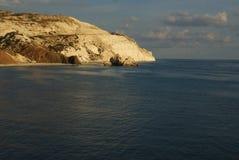 Opinión de la costa sur de la isla de Chipre imagenes de archivo
