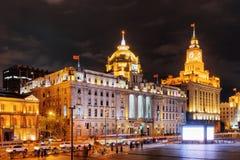 Opinión de la Federación (Waitan), Shangai, China de la noche Imagenes de archivo